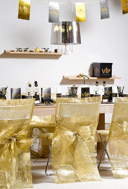 stuhlhusse mit schleife deko vlies 2er pack g nstig kaufen. Black Bedroom Furniture Sets. Home Design Ideas